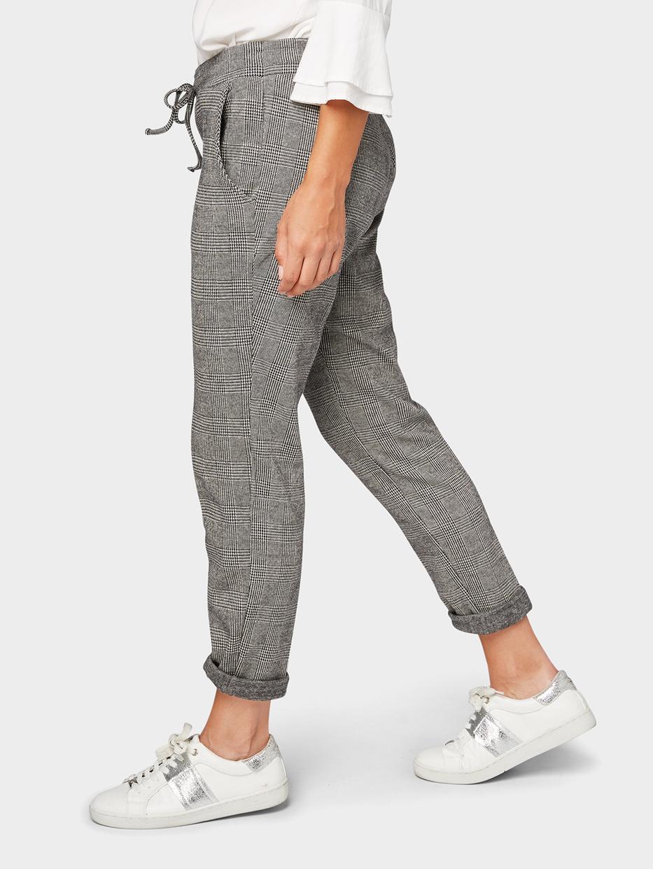 Брюки Tom TailorБрюки<br>Клетчатые брюки|эластичный пояс с кулиской|содержат эластан для идеальной посадки|пара карманов по бокам|покрой Loose-Fit: средняя линия талии, прямой крой штанин