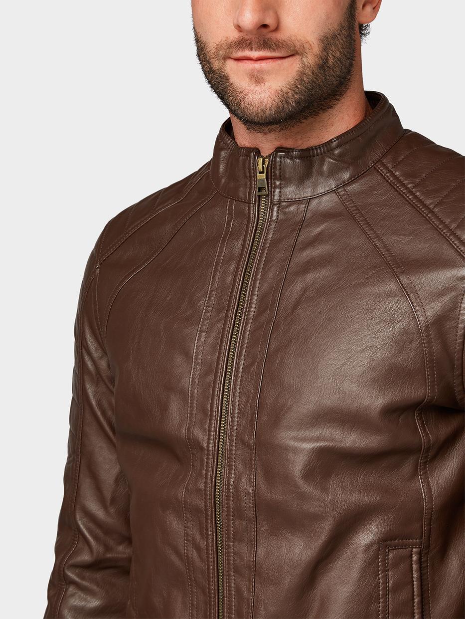 куртка Tom TailorВерхняя одежда<br>Куртка в байкерском стиле|прямой покрой|выполнена из высококачественной искусственной кожи|высокий воротник для защиты от ветра|длина изделия для размера М: 69 см