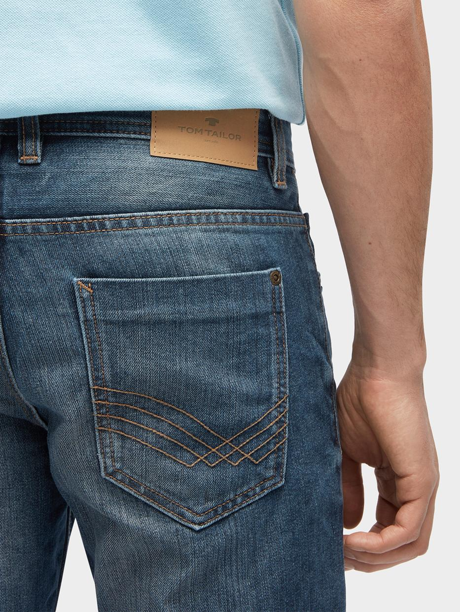 Джинсы Tom TailorДжинсы<br>Джинсы с эффектом потертости ткани|классический пятикарманный стиль|отстрочка контрастного цвета|потайная застежка-молния|покрой Marvin straight: средняя линия талии, прямой крой штанин