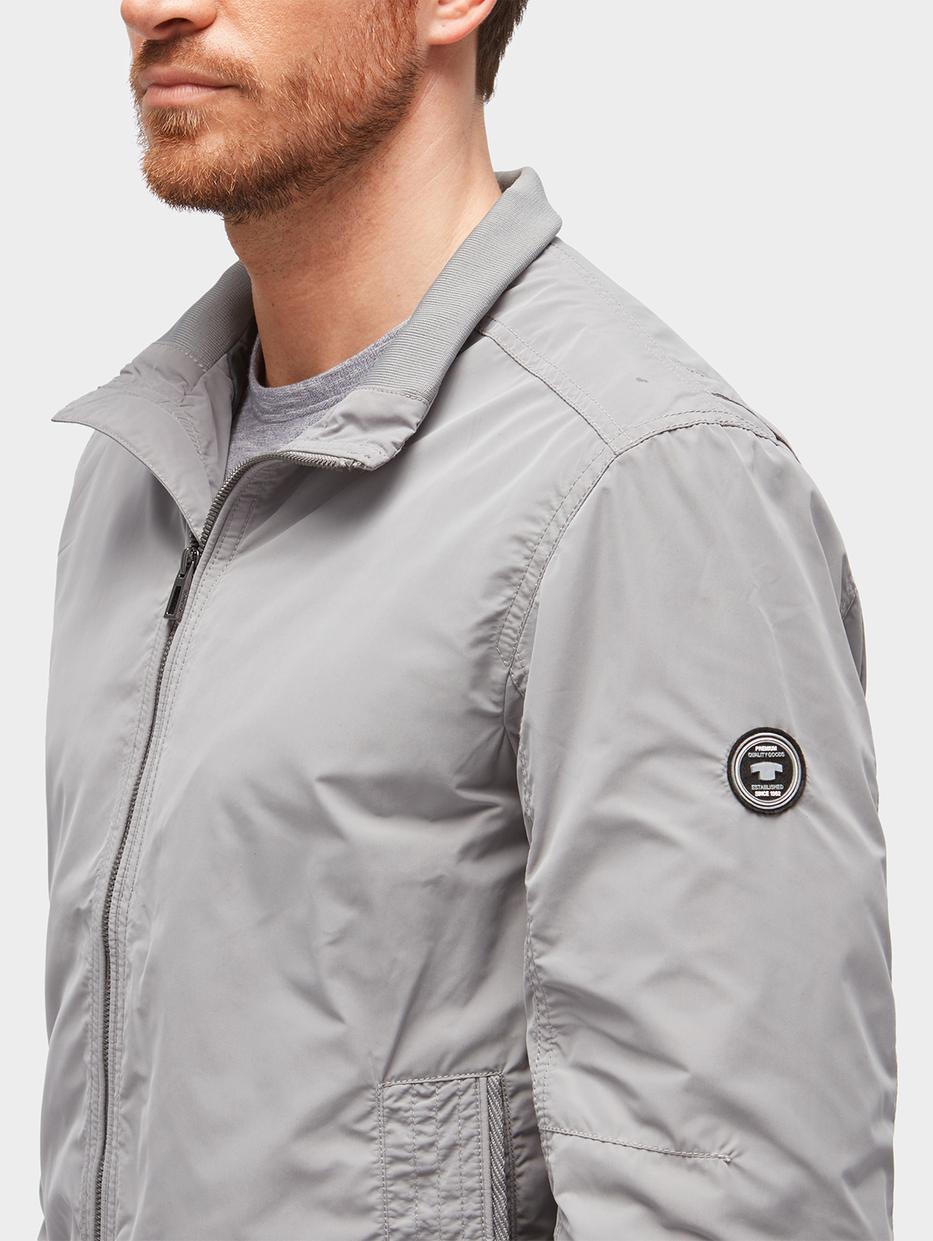куртка Tom TailorВерхняя одежда<br>Практичная ветровка|высокий воротник для защиты от ветра|прямой покрой|широкие эластичные манжеты и подол|длина изделия для размера М: 70 см
