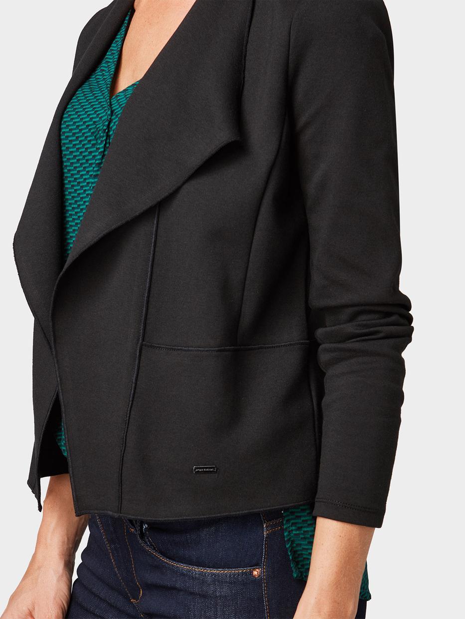 Пиджаки Tom TailorПиджаки<br>Блейзер свободного покроя содержит эластан для идеальной посадки небольшой металлический логотип на подоле сбоку длина изделия для размера М: 55 см